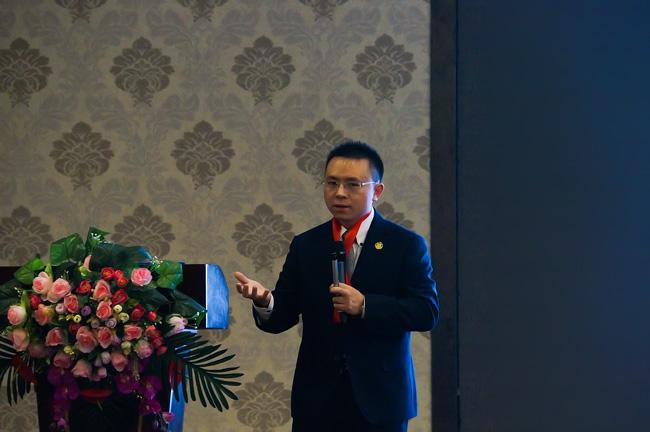 卡酷尚创始人郭晓林先生正在演讲