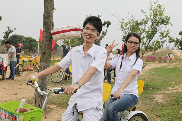 卡酷尚东莞松山湖边骑单车自行车一日游
