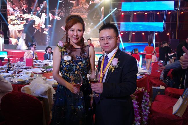 卡酷尚为爱喝彩深圳狮子会2015新年慈善晚会