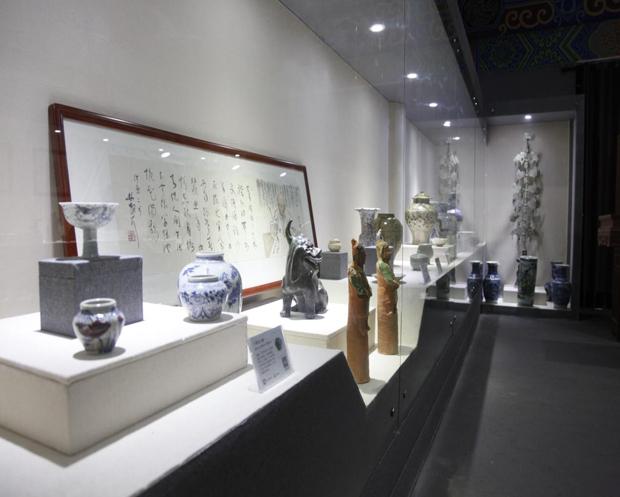 珍稀奇青花瓷展厅