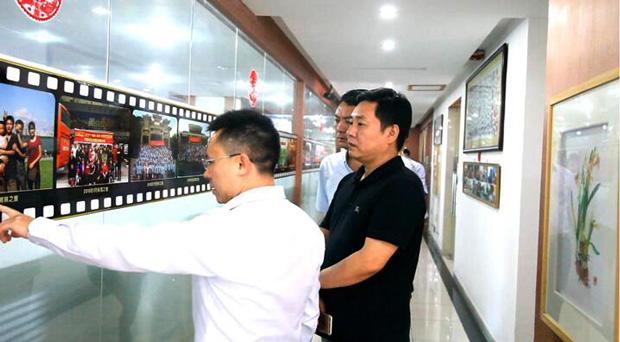 热烈欢迎深圳四川商会各会长莅临参观卡酷尚