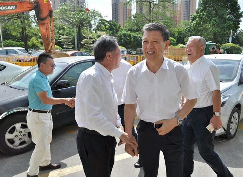 深圳市政协走访全国政协委员会座谈会在沙井•新桥商会顺利举行
