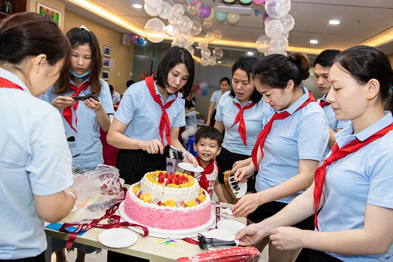 卡酷尚向美好童年致敬!第一、二季节员工生日会