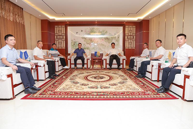 热列欢迎河源市高新区管委会主任刘大荣一行莅临卡酷尚参观指导